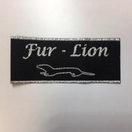 Этикетка жаккардовая вышитая Fur-Lion 35мм заказная (1000 штук)