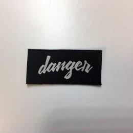 Этикетка жаккардовая вышитая Danger 15мм заказная (1000 штук)