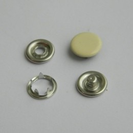 Кнопка трикотажная беби закрытая 9,5 мм турция бежевый 345 (1440 штук)