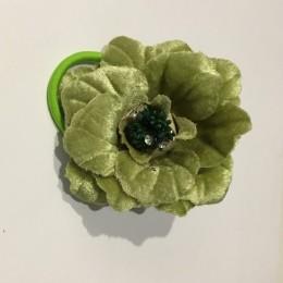 Роза на булавке с резинкой 9 см зеленый светлый (Штука)