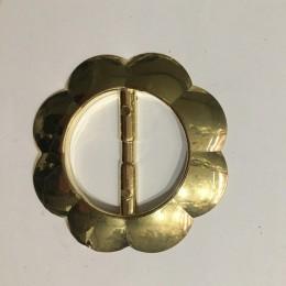 Пряжка пластиковая декоративная маленький цветок золото 4см (Штука)