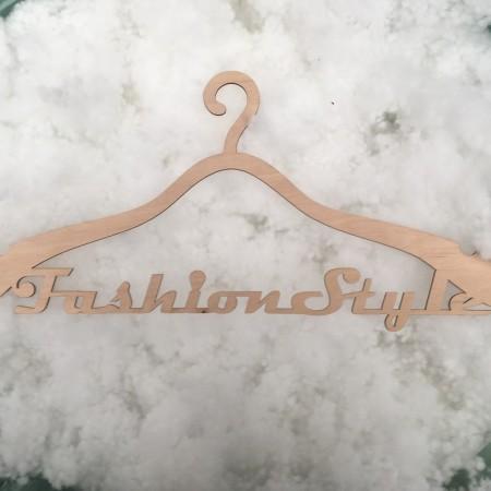 Плечики для одежды с логотипом