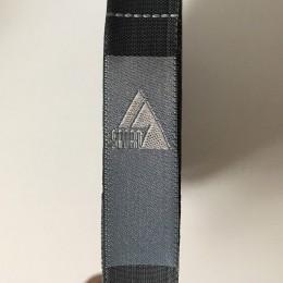 Этикетка жаккардовая вышитая Sport 13мм серый  (100 метров)